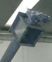 установленный редуктор на шнековой решетке
