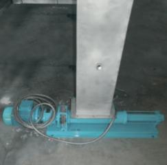 пример крепления редуктора в комбинированной установке по механической очистке стоков