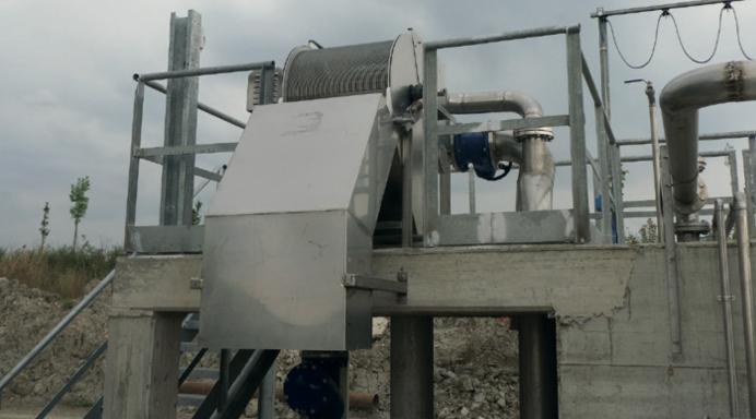 барабанная филтирационная решетка для механической очистки сточных вод на очистных сооружениях